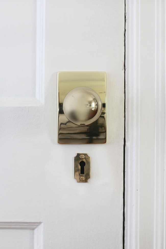 Schlage Orbit Knob with Century Backplate